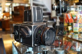 Hasselblad 503CW kit with + CF Planar 80mm f/2.8