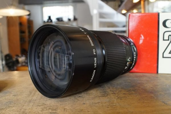 Canon lens FD 200mm 1:2.8 Boxed