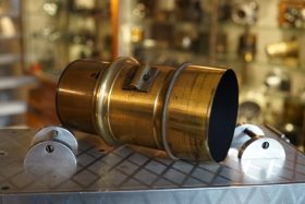 Unmarked Petzval lens app 11cm high
