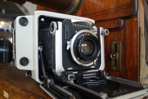 Linhof Super Technika V 2×3 + Symmar 100mm lens