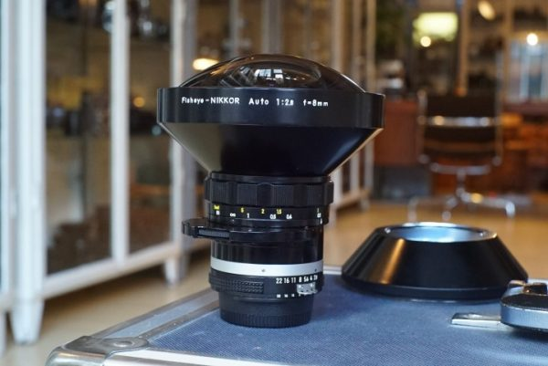 Nippon Kogaku Fisheye-Nikkor 2.8 / 8mm AI