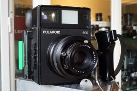Polaroid 600 Rangefinder with Mamiya 4,7 / 127mm lens