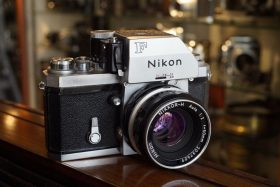 Nikon F + Nikkor-H 1:2 / 50mm