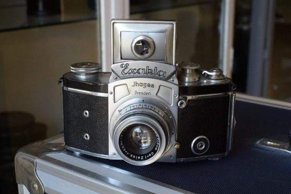 Kine Exakta I with the round viewfinder