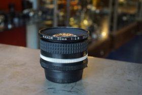 Nikon Nikkor 20mm 1:2.8 AI-s