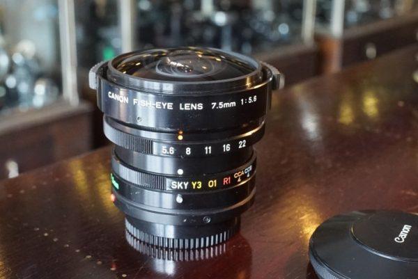 Canon FD Fish-eye lens 7,5mm f/5.6