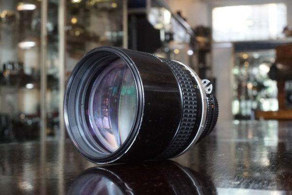 Nikon Nikkor 135mm f/2 AI-s lens