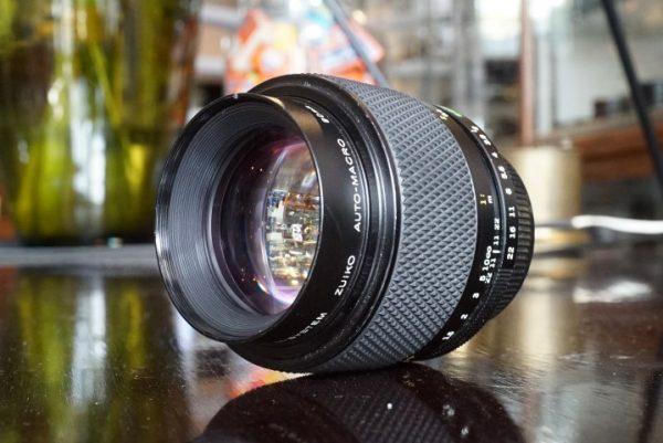 Olympus OM Zuiko 1:2 / 90mm Macro lens