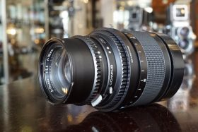 Hasselblad S-Planar 135mm f/5.6 in Focus mount