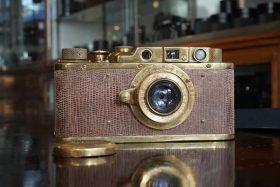 Fake Leica II Gold Lizardskin in wooden box