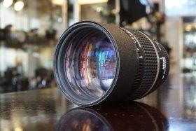 Nikon AF DC-Nikkor 135mm f/2.0
