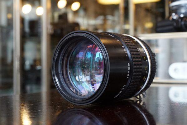 Nikon Nikkor 135mm f2.8 AI lens