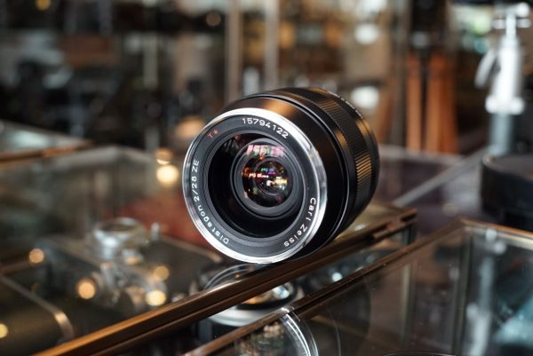 Carl Zeiss ZE 28mm f/2 T* for Canon EF
