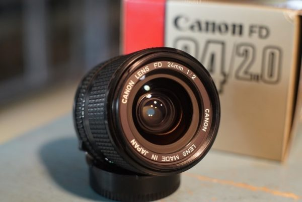 Canon lens FD 1:2 / 24mm, Boxed