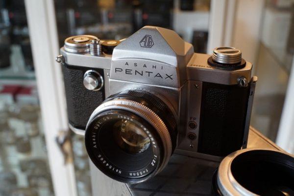 Asahi Pentax �AP� + Takumar 2.2 / 55mm lens