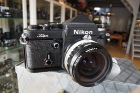 Nikon F2 Titan + Nikkor 3.5 / 28mm lens