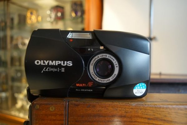 Olympus MJU-II compact camera with 2.8/35mm lens