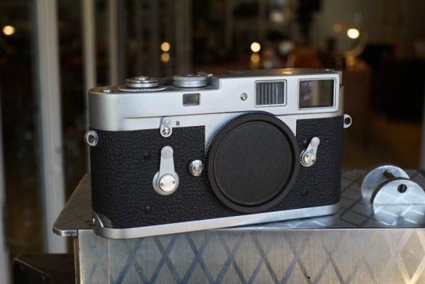 Leica M2 body, No 1104685