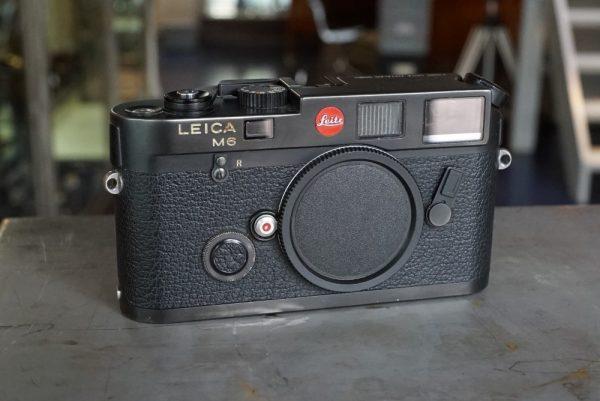 Leica M6 body, No 1689671