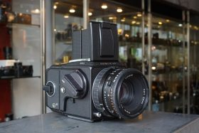 Hasselblad 503CW + CFE Planar 2.8 / 80mm
