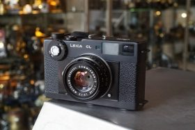 Leica CL + Summicron-C 2 / 40mm
