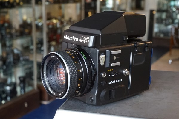 Mamiya m645 super kit with 2.8 / 80mm  lens