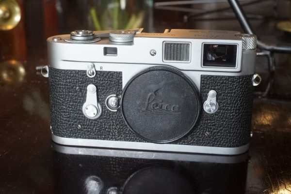 Leica M2 body, No 1144003