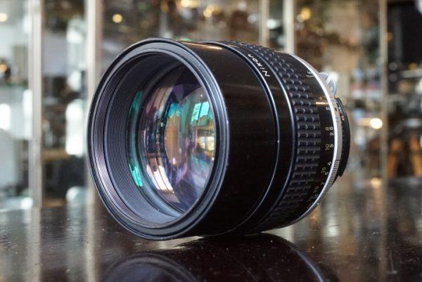 Nikon Nikkor 105mm f/1.8 AI-s