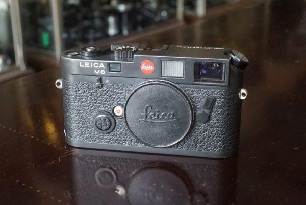 Leica M6 black body, No 1658498