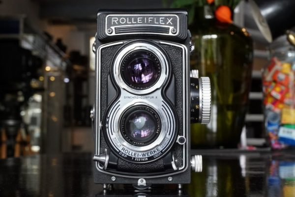 Rolleiflex T Black with Zeiss Tessar 75mm f/3.5