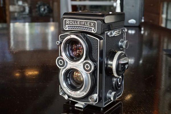Rolleiflex 3.5F w/ Carl Zeiss Planar 75mm f/3.5