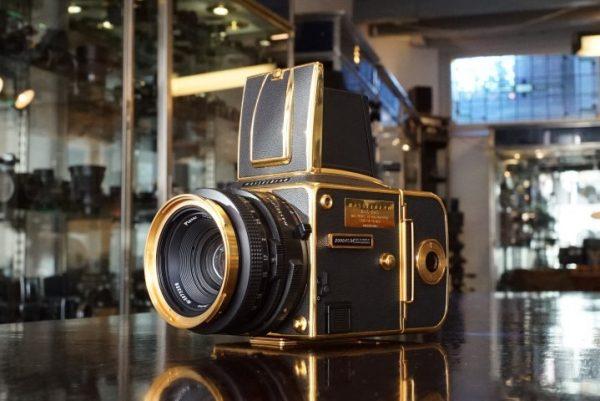 Hasselblad 2000FC/M Gold + Planar 80mm f/2.8