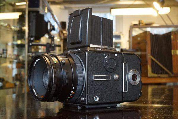 Hasselblad 503CW + Carl Zeiss Planar 80mm f/2.8 CF