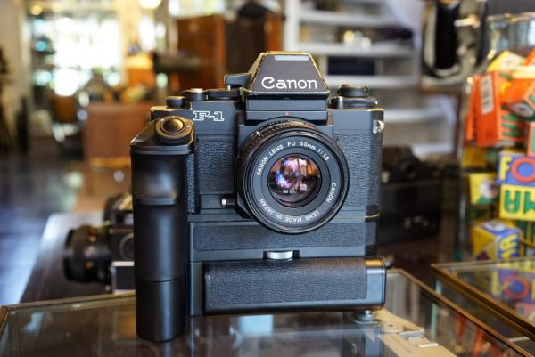 Canon new F-1, AE finder + Motor Drive FN + 1.8 / 50SC