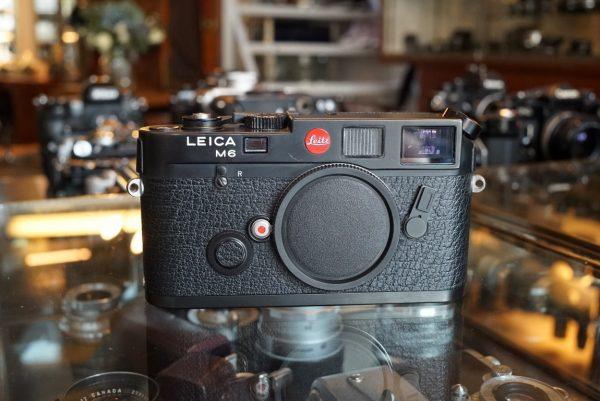 Leica M6 body, No 1709228