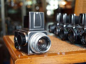 Pre-Owned - Hasselblad camera's kopen we graag in. Fotohandel Delfshaven is ook altijd op zoek naar Analoog Leica M3, M2, M4, M6, Mamiya RZ67, M645, Nikon F, F2, FM3a, FM2, Olympus OM, We horen het graag indien u iets bijzonders in de aanbieding heeft