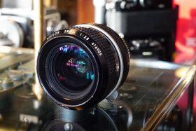 Nikon Nikkor 28mm f/2.8 non-AI
