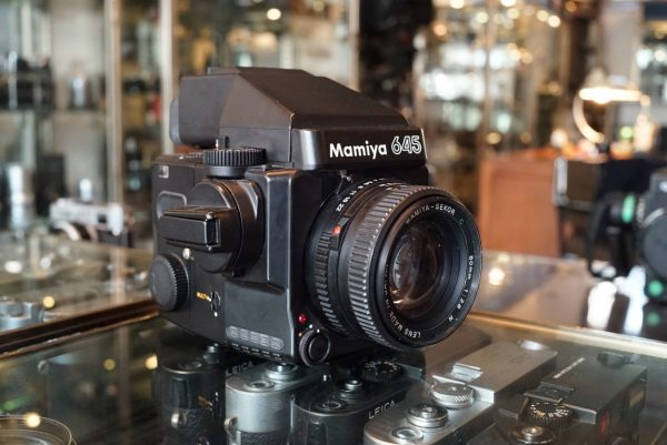Mamiya 645 Super + AE Prism + Sekor C 80mm f/2.8 N