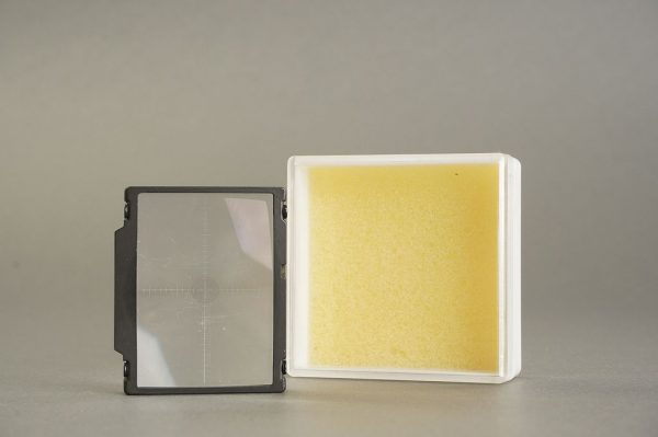 Nikon F3 focusing screen M, in case