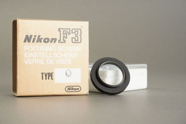 Nikon F3 standard diopter (0) which is always missing on your F3, wrong box