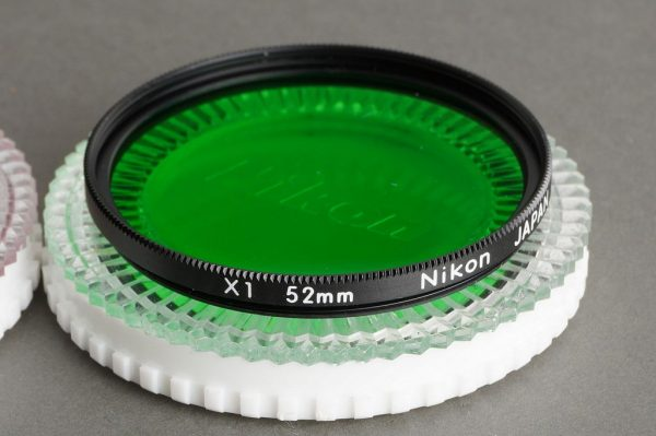 lot of 4x NIKON 52mm filters in cases: Yellow, RED, green, Y44