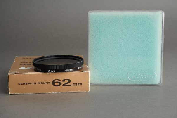 Nikon filter Polarizing 62mm screw in, BOXED