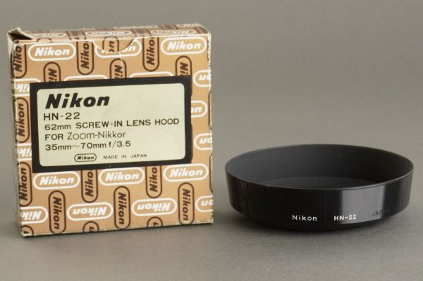 Nikon lens hood HN-22, boxed. For 35-70mm zoom