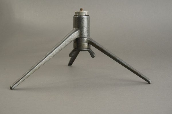 Leica Leitz table tripod 14100 a pair of different generation tripods