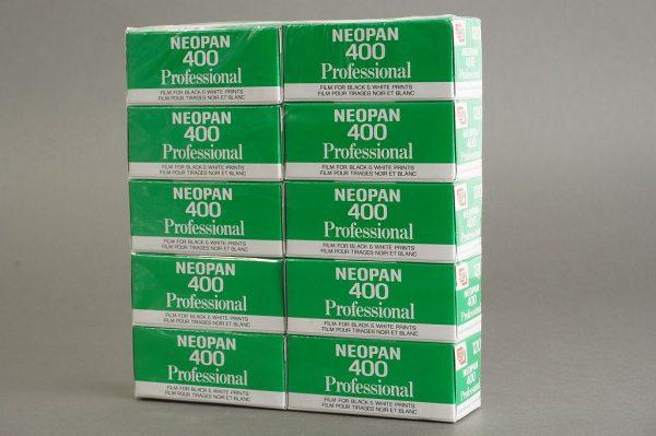 Fujifilm Neopan 400 Professional 10-pack B+W 120 film, expired 7-1998