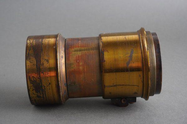 unmarked old PETZVAL formula brass lens, no flange