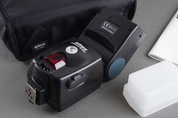 Nikon SB-80DX flash