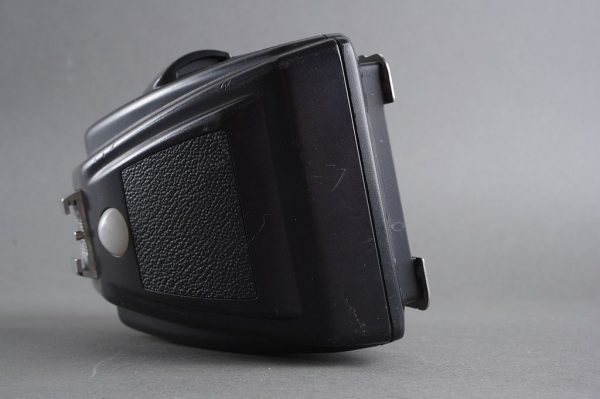 Hasselblad PME45 prism finder, with issue