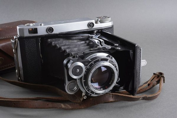 Russian RF 6×9 camea MOSKVA-5 with Industar-24 10.5cm 1:3.5 lens, copy of Zeiss Super-Ikonta