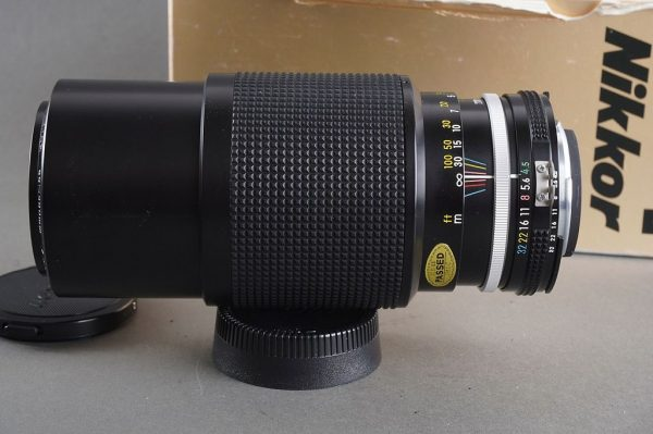 Nikon zoom Nikkor 80-200mm f/4.5 lens AI, Boxed